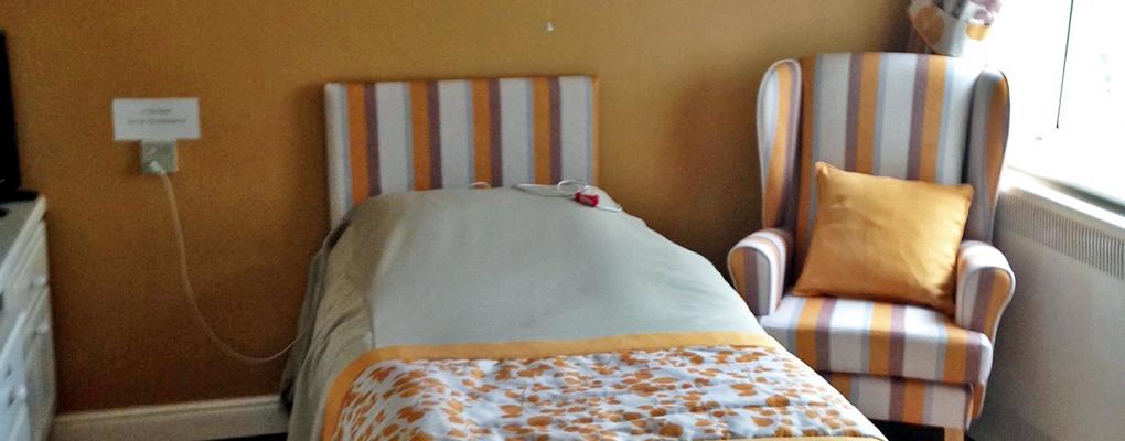 newlands-hall-bedroom